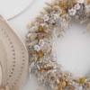 Corona para decorar tu casa con flores naturales
