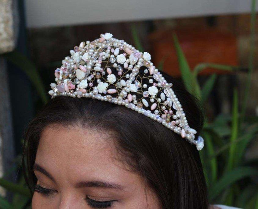 tejiendo cristal corona majestuosa