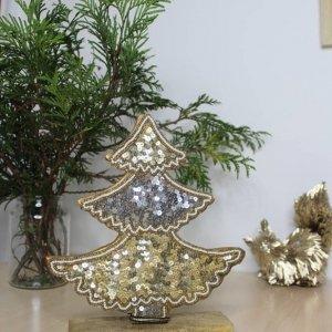 Árbol navideño pequeño de sobremesa para decoración de Navidad.
