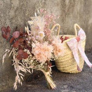 flores bonitas para regalar en capazo