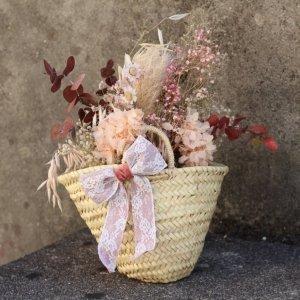 capazo con flores bonitas duraderas para enviar a domicilio