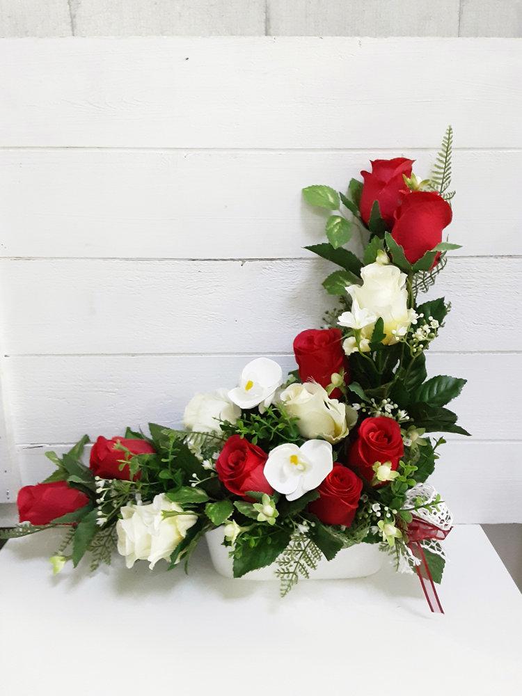 Centro de flores artificiales en forma de L para nichos y cementerio