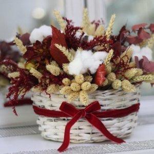 cesta montreal con flores naturales secas y preservadas