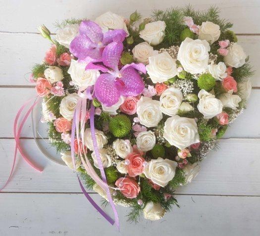 corazon de flores bonitas