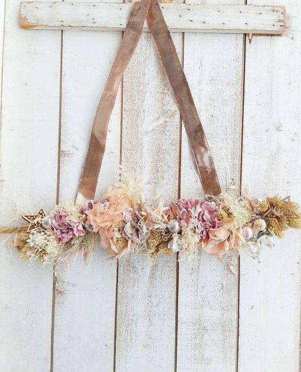 Decoración para colgar en paredes y puertas, guirnalda con flores secas naturales y de imitación para una Navidad muy femenina y chic