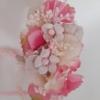 Detalle hermoso de diadema de flores y bloom natural