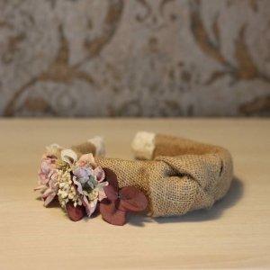 diadema nudo con flores secas