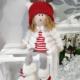 Muñeca de Navidad de tela, muy suave y amorosa para ambientar la decoración navideña de casa.