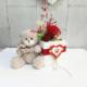 Osito con rosa rosa preservada en cajita de madera decorada para San Valentín