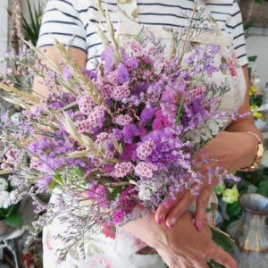 Ramo de flores naturales para secar en casa