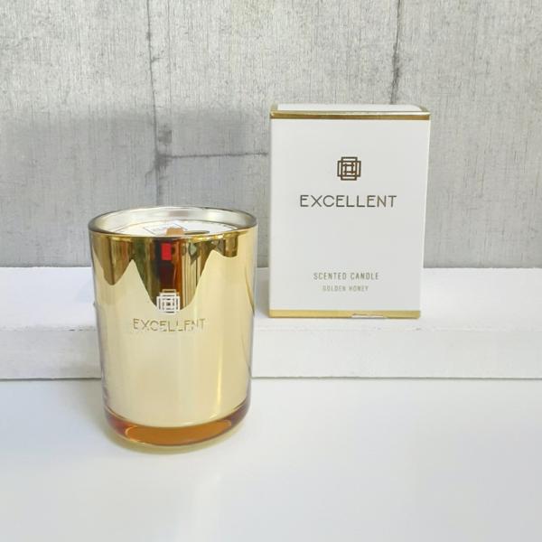 Vela elegante perfumada con mecha de pino natural